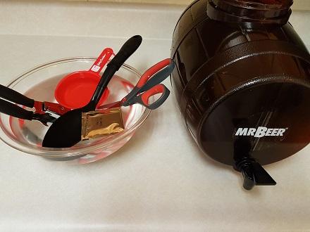 sanitizing mr brew items
